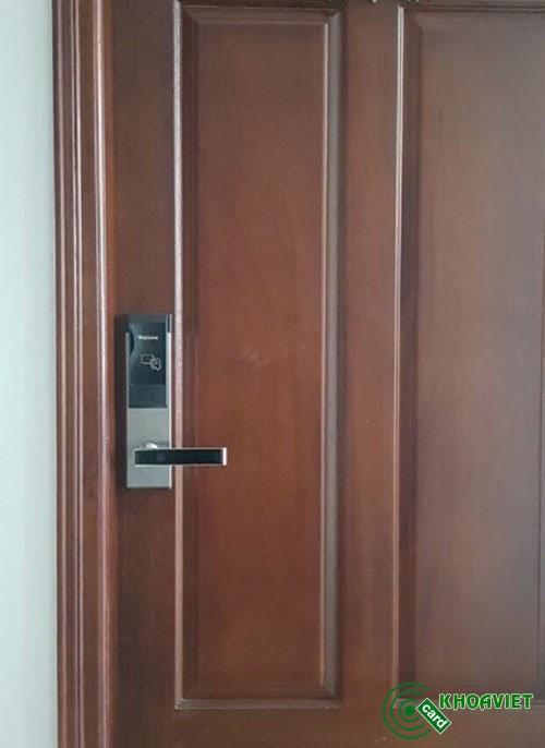 Xem giá cửa gỗ gõ đỏ
